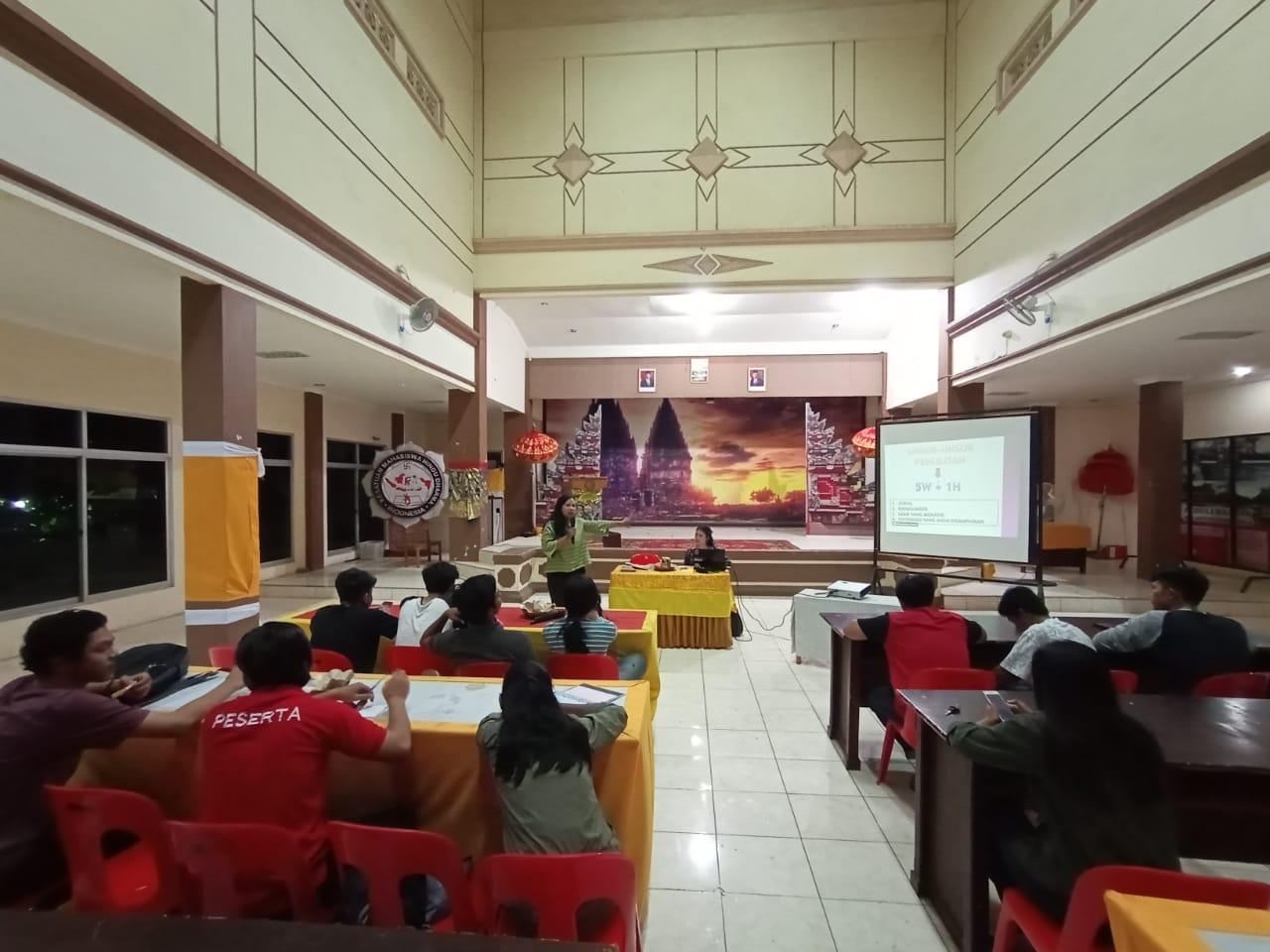 Menumbuhkan Jiwa Jurnalistik, PC KMHDI Makassar Gelar Sharing Season
