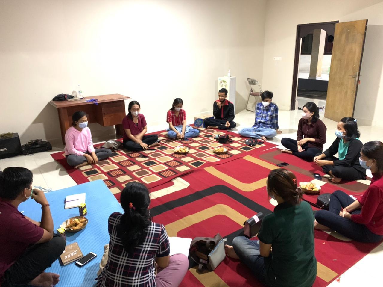 PC KMHDI Makassar menggelar Diskusi yang dirangkaikan dengan Pembacaan Kitab Bhagawad Gita